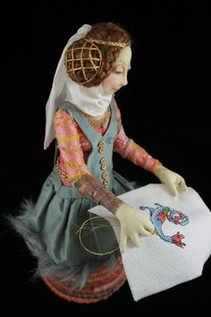 Roundup of medieval & Renaissance dollmaking/costuming tutorials from The Magic Bean
