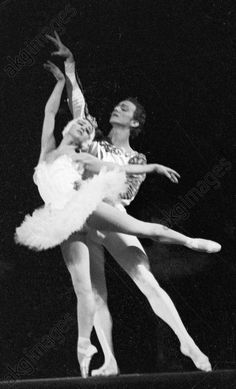 akg-images -Maximova and Liepa in the Swan Lake balletYekaterina Maximova (left) as Odill and Maris Liepa (right) as Prince in Piotr Tchaikovsky's ballet Swan Lake.