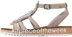 PERFEKTE ETHNO-SANDALE Lockeres Schuhwerk und lässige Farben. Mit diesen Sandalen von Paul Green treffen Sie den perfekten Vorgeschmack auf die Urlaubszeit! Shoes, Fashion, Paul Green Shoes, Reunions, Sandals, Colors, Moda, Zapatos, Shoes Outlet