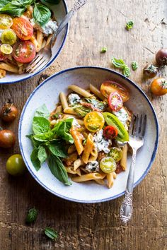 Heirloom Tomato Pomodoro Penne Pasta - the most delicious, fast and easy meal!! Perfect for Monday night! From http://halfbakedharvest.com