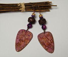 Boucles d'oreilles ethniques, fimo, métal cuivré, graines açaï, jaspe : Boucles d'oreille par francesca