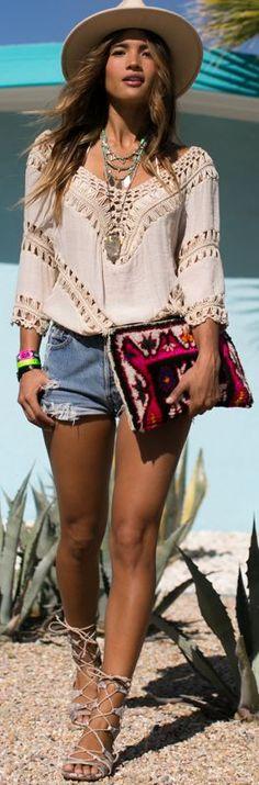 Boho style http://www.weloveboho.com/moda/ropa/                                                                                                                                                                                 Más