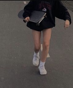 skate style gracie-mckean gracie-mckean, Source by The post gracie-mckean appeared first on How To Be Trendy. Skater Mädchen Outfits, Mode Outfits, Grunge Outfits, Converse Outfits, Tumblr Outfits, Aesthetic Grunge, Aesthetic Girl, Aesthetic Clothes, Fitness Aesthetic