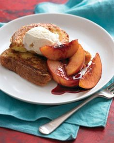 I did peaches instead of Nectaries.did just 1 tbls of AnyOld Red WIne. But what a touch! Nothing says Brunch like French Toast with Red-Wine Nectarines. Yummy and only 20 minutes! Nectarine Recipes, Fruit Recipes, Cooking Recipes, Summer Recipes, Nectarine Dessert, Beef Recipes, Vegetarian Recipes, Dessert Recipes, Gourmet