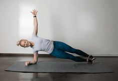 The Best Exercises for Your Lower Abs For That Slender Toned Look - Free Gym & Fitness Workouts Burn Lower Belly Fat, Reduce Belly Fat, Lose Belly Fat, Plank Workout, Pilates Workout, Fitness Workouts, Workout Exercises, Tummy Exercises, Workout Tips