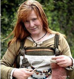 Fitted apron dress with separate front apron panel Viking Garb, Viking Reenactment, Viking Dress, Larp, Norse Clothing, Viking Culture, Norse Vikings, Viking Woman, Apron Dress