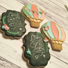 29 Ideas For Baby Shower Cookies Royal Icing Hot Air Balloon Galletas Cookies, Sugar Cookies, Farm Cookies, Crazy Cookies, Hot Air Balloon Cookies, Chalkboard Cake, Wedding Cake Cookies, Fancy Cupcakes, Cakes Plus