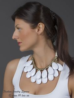 White Teardrop Fashion Necklace