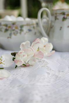 Täyttä elämää Table Settings, Tableware, Dinnerware, Tablewares, Place Settings, Dishes, Tablescapes