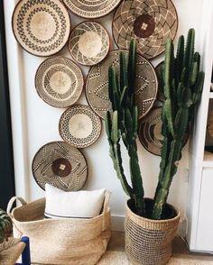 Decoration Chic, Basket Decoration, Living Room Decor, Bedroom Decor, Baskets On Wall, Decorative Wall Baskets, Laundry Baskets, Wicker Baskets, Bohemian Decor