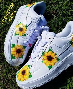 Nike Shoes OFF! Cute Nike Shoes, Cute Nikes, Comfy Shoes, Vans Shoes Fashion, Fashion Outfits, Nike Shoes Air Force, Bling Shoes, Aesthetic Shoes, Fresh Shoes