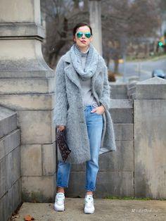 Пальто + кроссовки