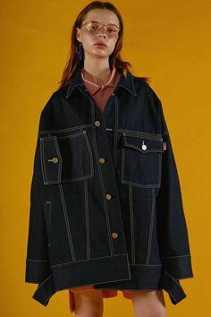I kind of want an oversized denim jacket now.