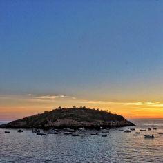 Sant Elm #santelmo #mallorca #mittelmeer #sailing #segeln #ig_europe #instagood #beach #feelgoodphoto #streetphotography #mediterraneo #life #port #puerto #sunset #ig_today #ig_europe #ig_worldclub #ig_daily #ig_nature www.porip.de