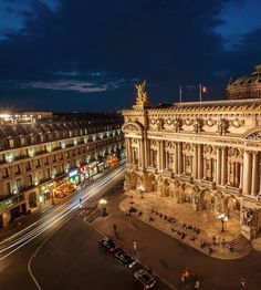 Paris_Tourisme Instagram. Photo of Place de L'Opera.