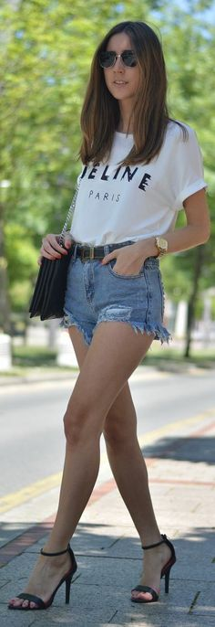 Sheinside Blue Denim Distressed Boyfriend Short