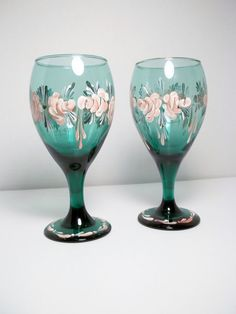 Hey, I found this really awesome Etsy listing at https://www.etsy.com/listing/129850508/vintage-green-glass-rosemaling-folk-art