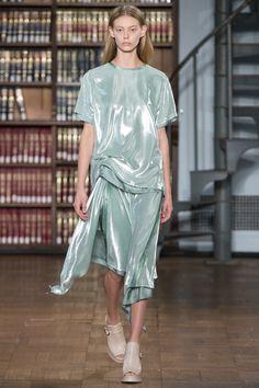 Sies Marjan Spring 2017 Ready-to-Wear Fashion Show - Ondria Hardin
