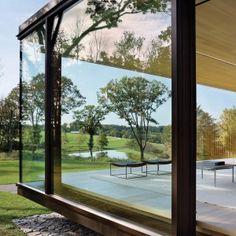 Desai+Chia+Architecture+creates+a+glass+box+home+in+the+New+York+countryside