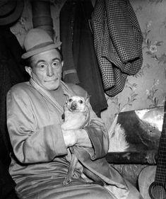 Robert Doisneau  //  Circus  -  Le clown Béby au cirque d'hiver 1945