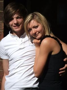 Harry Styles recently admitted that he has never been in love with a girl (except his mom, of course). While thinking back on his love life, we started getting nostalgic about One Direction's … One Direction Girlfriends, One Direction Louis, Louis Tomlinson Girlfriend, Louis Williams, Love Of My Life, Harry Styles, Comebacks, Schooldays, Larry