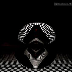 It's amazing what you can do with cutlery, a glass ball and a perforated metal sheet - DIY Photography Light Painting Photography, Reflection Photography, Still Life Photography, Abstract Photography, Creative Photography, Fine Art Photography, Photography Tips, Object Photography, Product Photography