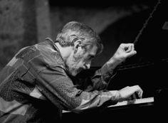 Denny Zeitlin es un pianista y compositor estadounidense de jazz que nació el 10 de abril de 1938. Ha grabado más de 30 álbumes y tiene en su haber unas 100 composiciones originales.