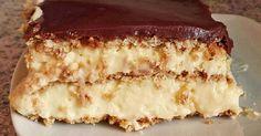 Zutaten 4 Beutel Puddingpulver (Vanillegeschmack) 240 g Zucker 1 1/2 Liter Milch, evtl. etwas mehr 4 Becher Schlagsa...