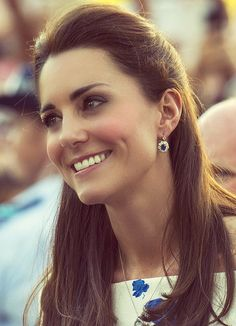 The Duchess of Cambridge in Australia, April 2014. Such a fresh, scrubbed look, beauty!