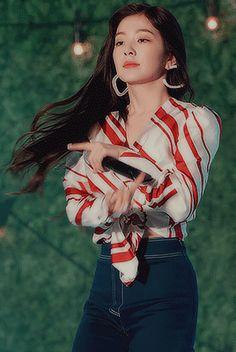 Irene Red Velvet, Red Velvet Joy, Kpop Girl Groups, Korean Girl Groups, Kpop Girls, Irene Kim, Seulgi, These Girls, South Korean Girls