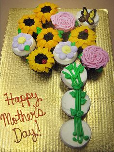 Cupcakes Take The Cake: Flower cupcake cakes for Mother's Day