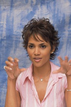 Halle Berry photo 46 of 1452 pics, wallpaper - photo - - Short Hair Styles Short Layered Haircuts, Cute Hairstyles For Short Hair, Halle Berry Hairstyles, Layered Short Hair, Short Curly Pixie, Curly Pixie Hairstyles, Shaggy Short Hair, Wedge Hairstyles, Older Women Hairstyles