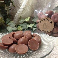 Lovely Sandalwood 4.5 oz Soy Tart Melt Buttons