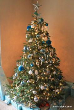 Lil bits of Chic by Paulina Mo.: My Ocean Themed Christmas Tree #ohChristmasTree #themedChristmastree #ChristmasTree