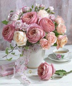 A pretty spring floral arrangement.