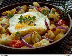 Omytý a osušený květák rozebereme na menší růžičky. Brambory oloupeme a nakrájíme na přibližně stejné kousky jako květák. Cibuli nakrájíme na... Paella, Potato Salad, Food And Drink, Potatoes, Ethnic Recipes, Cooking, Potato