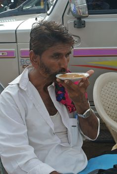 In this part of India people drink coffee from the saucer because only then it cools down faster. #Bhuj #Gujarat #India