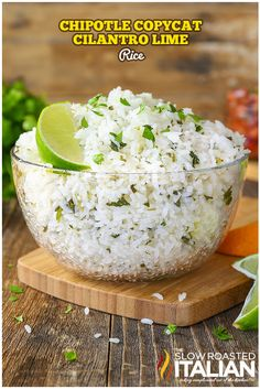 Chipotle Copycat Cilantro Lime Rice It is perfectly soft and sticky with a nutty, floral aroma. It has fresh cilantro speckled throughout and a bright flavor from citrus that makes this an incredible side dish that you are going to make again and again! Chipotle Lime Cilantro Rice, Chipotle Copycat Recipes, Recipes With Cilantro, Chipotle Menu, Chipotle Black Beans, Cilantro Pesto, The Slow Roasted Italian, Tex Mex, Ideas