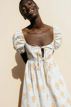 Midi Dress With Sleeves, Dress Skirt, Sleeved Dress, New Mode, Mode Blog, Poplin Dress, Mode Inspiration, Cotton Dresses, Printed Cotton