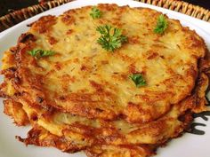 Bramborák or Czech Potato Pancakes Brambor?k or Czech Potato Pancakes Shredded Potatoes, Leftover Mashed Potatoes, Polish Potato Pancakes, Czech Recipes, Ethnic Recipes, Slovak Recipes, Sweet And Sour Cabbage, Prague Food, Dumpling Recipe
