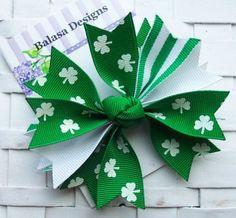 6e78524add9 Arco del pelo del Boutique St Patricks Day tréboles verdes Tiaras