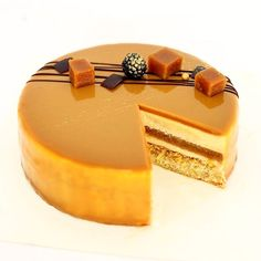 264 mentions J'aime, 6 commentaires – Marie Troïtskaia. Pâtissier (@marie_oiseau) sur Instagram : « Inner beauty My fav cake: salted caramel, caramelized white chocolate, peanut butter crunch with… »