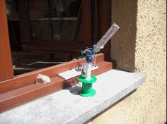 basic Arduino Solar Tracker - check the comments for an improved version from Spellmal Pi Projects, Arduino Projects, Diy Electronics, Electronics Projects, What Is Solar Power, Solar Tracker, Hobbies For Kids, 3d Laser, Aquaponics System