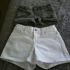 Old navy size 6 kids shorts Two pair of girls shorts Old Navy Bottoms Shorts