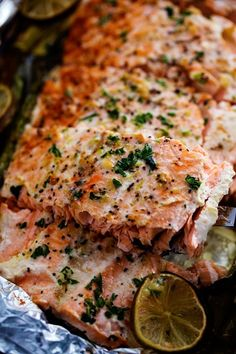 Buttery Garlic Lime Salmon with Asparagus in Foil | Recipe Critic