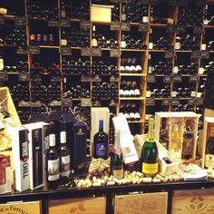 Our stylish winechiller WINECHILL @henribloem We ship worldwide www.wine-chill.com
