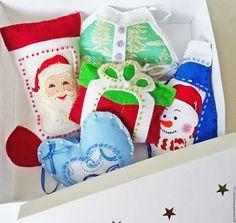 Новогодние игрушки из фетра. Ярмарка Мастеров — ручная работа. Купить Ёлочные игрушки из фетра. Набор №1. Handmade