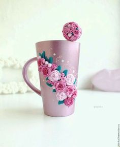 Hrníček na kávu * fialový porcelán, zdobený růžičkami z polymeru.