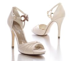 "Women's 4 1/2"" Heel Devote Bridal and Evening Pump by Jen + Kim for Coloriffics"