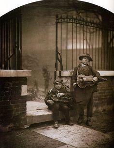 Camille Silvy: Musiciens de Rues à Rochester Terrace Londres, Epreuve à l'albumine 1855-1865